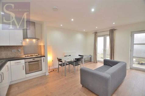 Dean Court, South Woodford, London. 1 bedroom flat