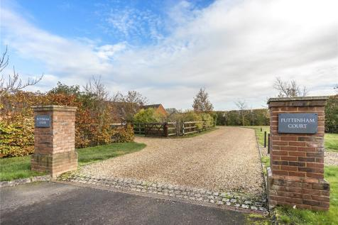 Puttenham Court, Puttenham, Tring, Hertfordshire, HP23. 3 bedroom house for sale