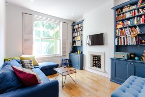 Hornsey Road, Holloway, N7. 3 bedroom flat