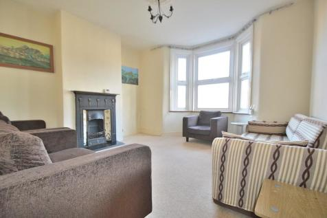 Fotheringham Road, London, EN1. 2 bedroom flat