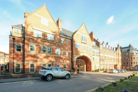 London Road Post Office Square TN1. 2 bedroom apartment