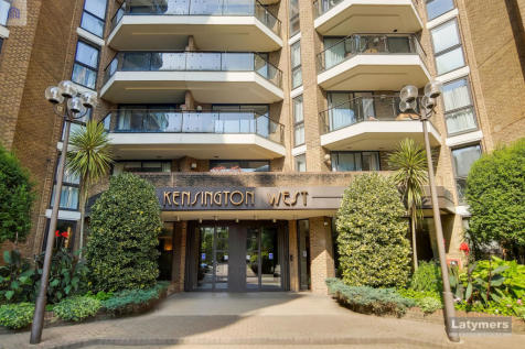 Kensingnton West, Blythe Road, London, W14. 3 bedroom apartment for sale