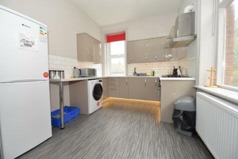 Furzedown Road, Highfield, Southampton, SO17. 3 bedroom flat
