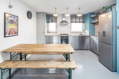 Balmes Road, De Beauvior. 2 bedroom apartment for sale