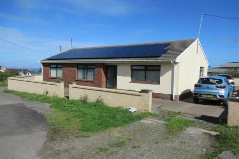 Cilau Ganol Farm, Llanwnda, Goodwick. 3 bedroom property for sale