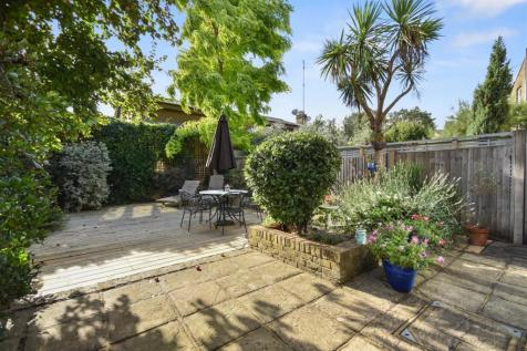 Prebend Gardens, Chiswick, London W4. 5 bedroom house for sale