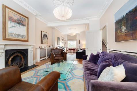 Devonport Road, Shepherds Bush, London W12. 4 bedroom house