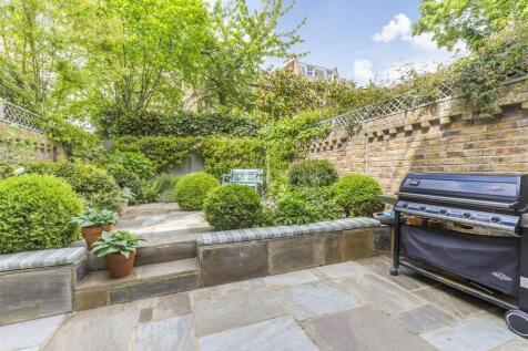 Batoum Gardens, Brook Green, London W14. 5 bedroom house