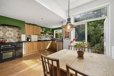 Faroe Road, Brook Green, London W14. 3 bedroom house