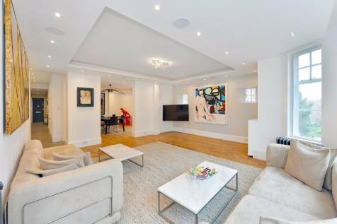 Clive Court, London, W9. 4 bedroom flat