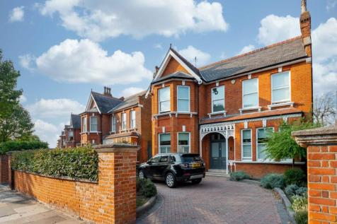 Walm Lane, London, London, NW2. 6 bedroom house for sale