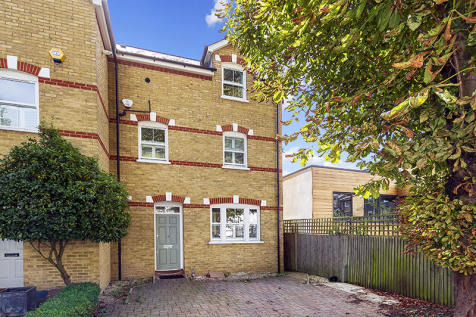Somerset Road, Teddington, Middlesex, TW11. 4 bedroom semi-detached house