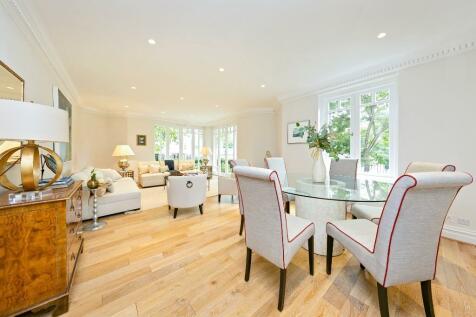 Clevedon Road, Twickenham, Middlesex, TW1. 3 bedroom apartment