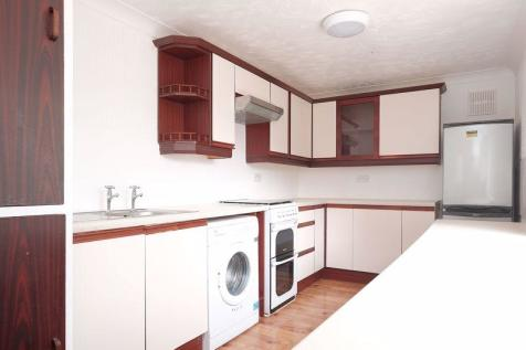 Fitch Drive, Brighton. 3 bedroom flat