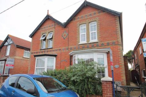 Station Road, Yarmouth. 3 bedroom property