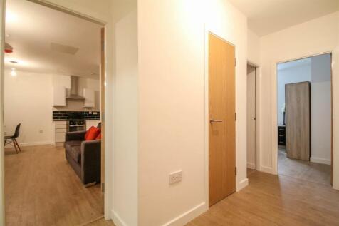 130 Sunbridge Road, Bradford. 2 bedroom apartment for sale