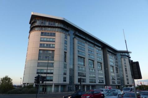 West Wear Street, Sunderland, Tyne and Wear, SR1 1XD. 2 bedroom flat
