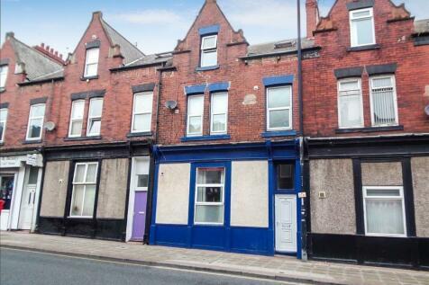 30 Hylton Road, Millfield, Sunderland, Tyne and Wear, SR4 7AA. Studio flat