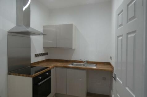 103 Chester Road, Millfield, Sunderland, Tyne and Wear, SR4 7EZ. Studio flat