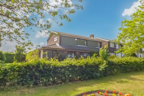 Tillmouth Avenue, Holywell, Whitley Bay, Northumberland, NE25 0NS. 4 bedroom detached house