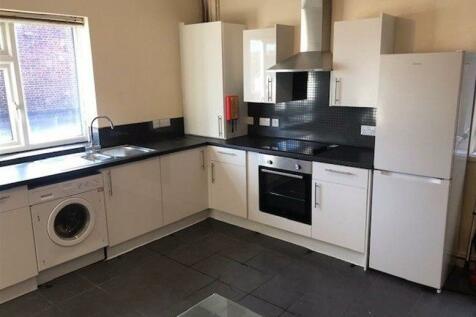 London Road, Headington, Oxford, OX3. 5 bedroom flat