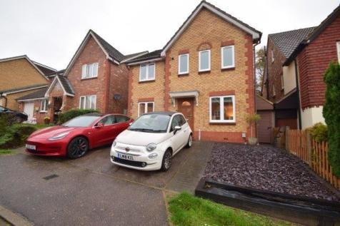 Windermere Close, Stevenage, Hertfordshire, SG1. 4 bedroom detached house for sale