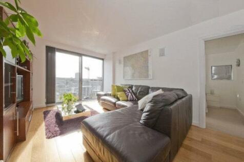 Deals Gateway, London, SE13. 2 bedroom flat