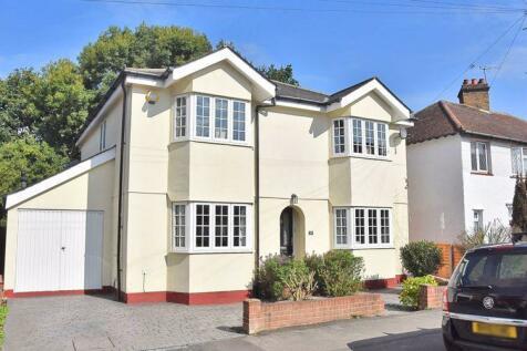 Felcott Road, Hersham. 4 bedroom detached house for sale