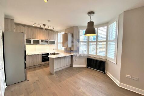 Tournay Road, Fulham, SW6 7UG. 1 bedroom flat