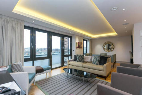 9 Searle House. 3 bedroom apartment