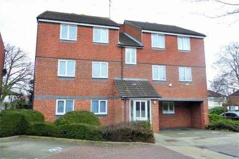 Hadfield Close, Southall, Greater London. 2 bedroom flat