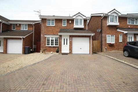 Buttercup Court. 4 bedroom detached house