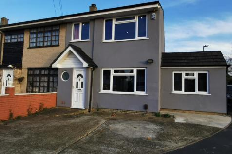 Carfax Road. 4 bedroom house