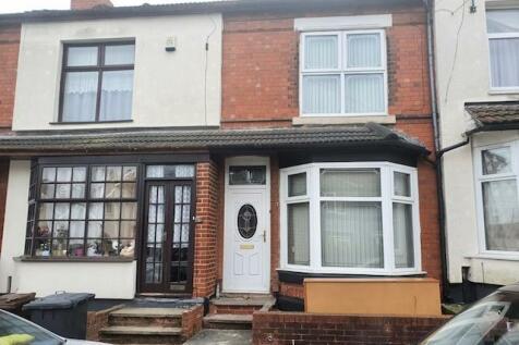 Court Road, Wolverhampton. 3 bedroom house
