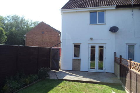 Osprey Close, Covingham. 2 bedroom end of terrace house