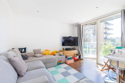 Tizzard Grove, Kidbrooke, London, SE3. 2 bedroom flat