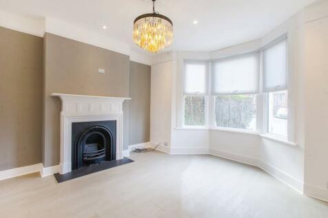 Brockley View, Honor Oak Park, London, SE23. 3 bedroom flat