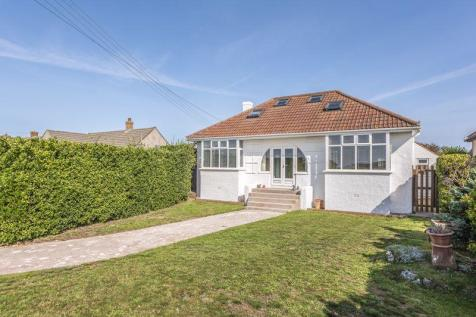 Beach Road, Sand Bay - INDIVIDUAL HOME. 5 bedroom detached house