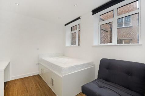 Watsons Chambers, Sheffield, S1. Studio flat