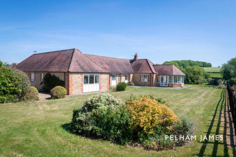 Lower Farm Close, Empingham. 4 bedroom detached bungalow for sale