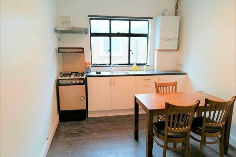 Romford, London. RM1 2JT. 5 bedroom flat