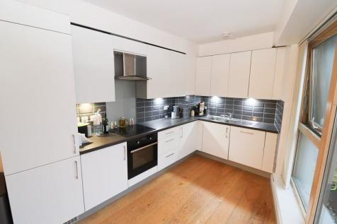2 Stroudley Road, Brighton, East Sussex. BN1 4ZD. 2 bedroom flat