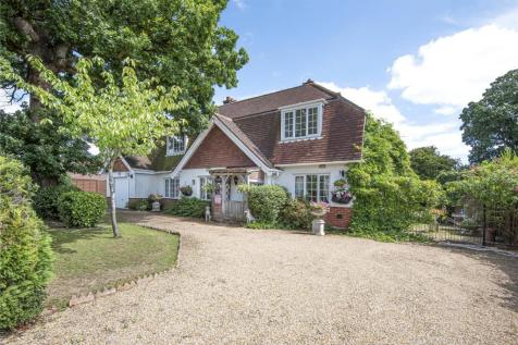 Brook Lane, Sarisbury Green, Hampshire, SO31. 4 bedroom detached house