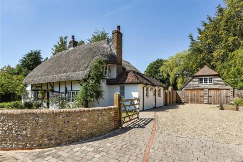 North Lane, Clanfield, Hampshire, PO8. 3 bedroom detached house