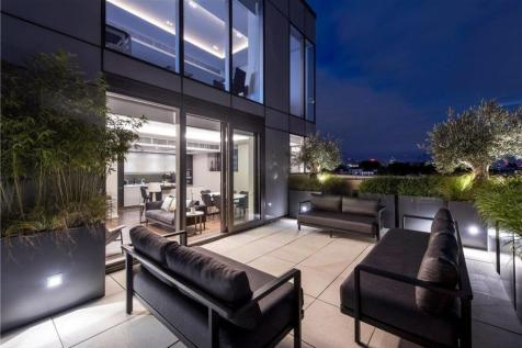 Bolander Grove, Lillie Square, London, SW6. 3 bedroom flat
