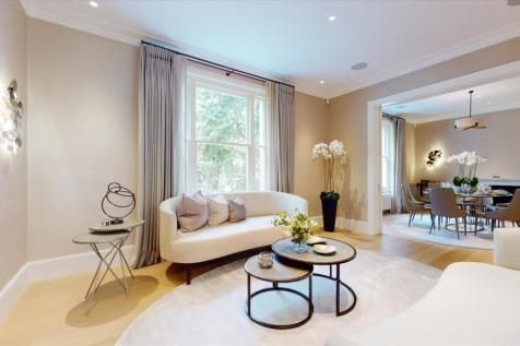 Gledhow Gardens, Earl's Court, London, SW5. 4 bedroom flat for sale
