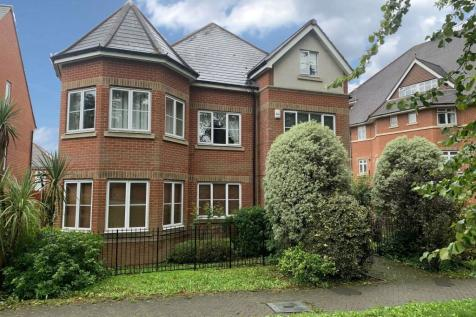 1 Hodgkins Mews, Stanmore, Middlesex, HA7. 4 bedroom detached house
