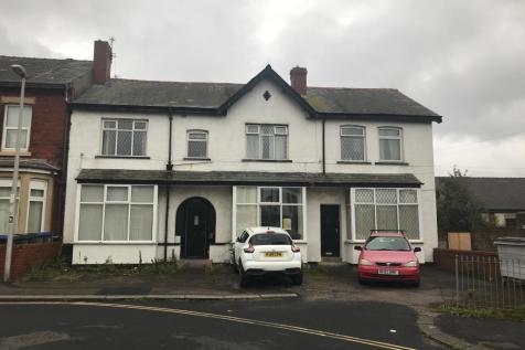 9 - 11 Westmorland Avenue, Blackpool, Lancashire, FY1. 6 bedroom block of apartments for sale
