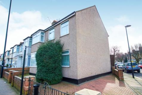 Southbury Road, Enfield, Middlesex, Enfield, EN1. 7 bedroom end of terrace house