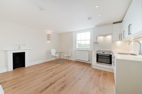 Onslow Gardens, South Kensington, London, SW7. Studio flat